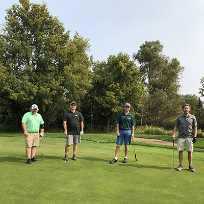 Social distancing at Wormburner golf outing